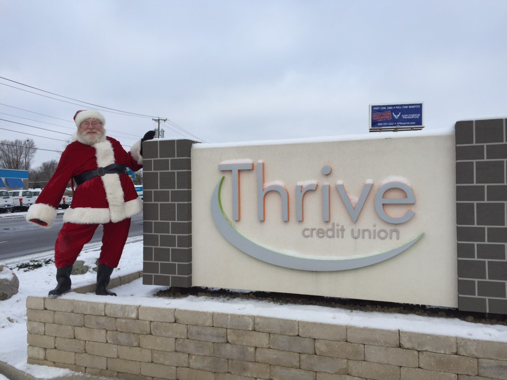 santa-visits-local-businesses